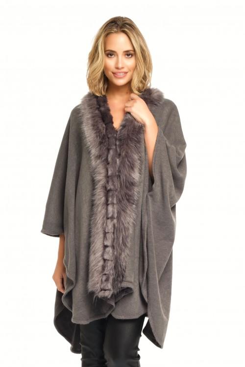 Cape en laine bordée de fausse fourrure