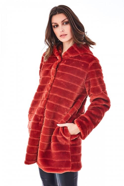 Manteau en fausse fourrrure rasée à capuche