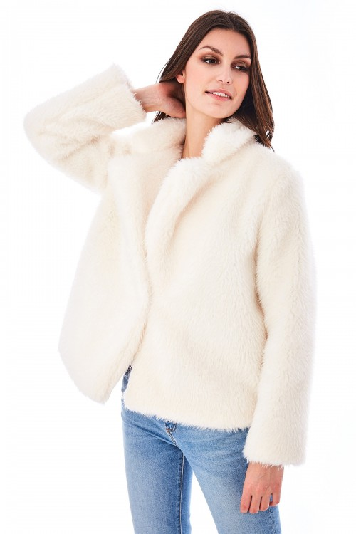 Manteau en peluche col cranté