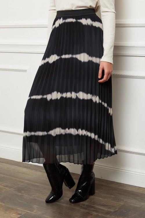 Jupe longue plissée à rayures