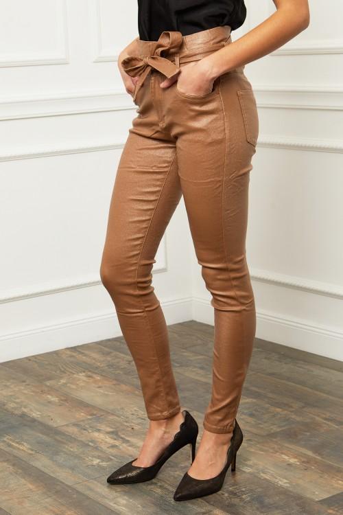 Pantalon taille haute aspect ciré brillant
